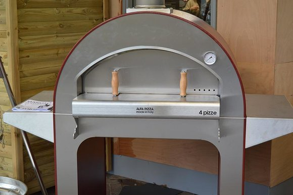 Alfa pizza oven at Hayes Garden World