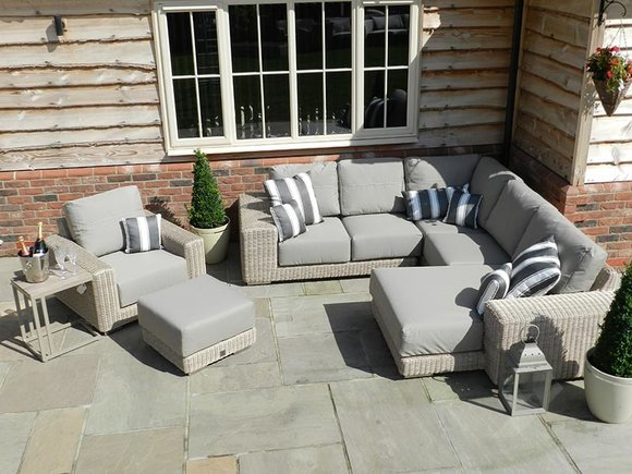 4 Seasons Kingston modular set of garden furniture
