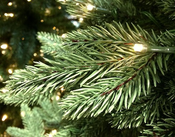 How To Choose Your Artificial Christmas Tree Hayes Garden World