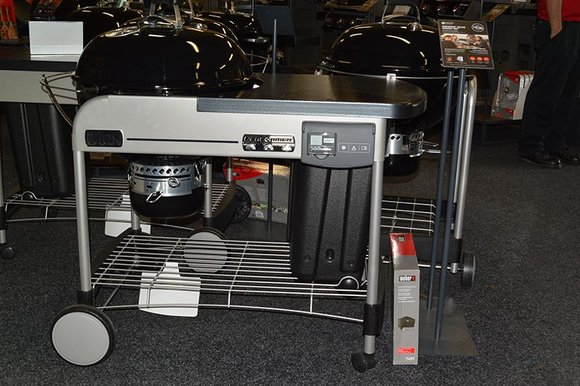 Weber Performer Deluxe barbecue