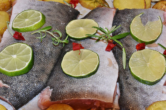 Prepared salmon with lime