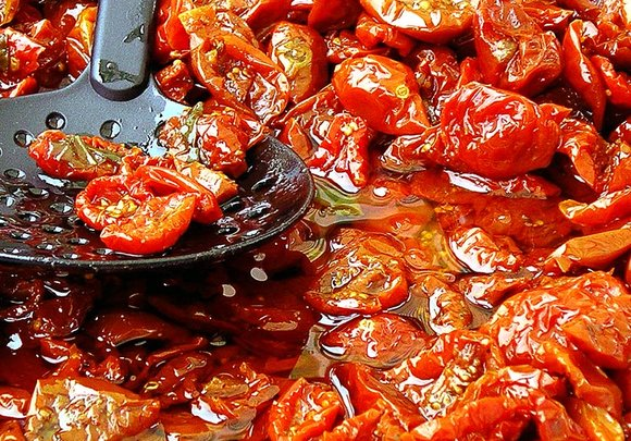 Semi-dried tomatoes in olive oil
