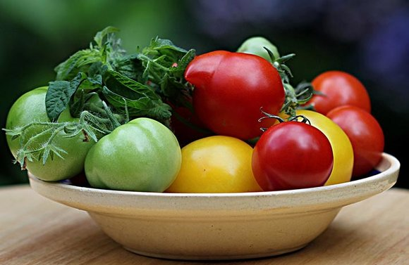 Bowl of tomatoes, mixed colours