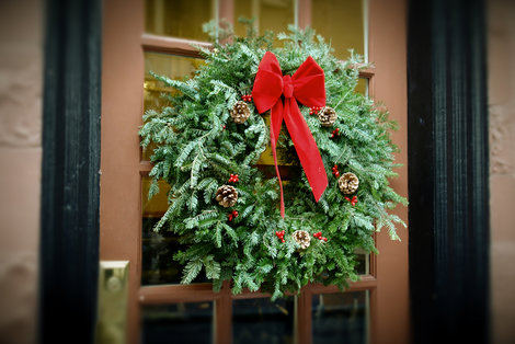 Create a fresh Christmas Wreath