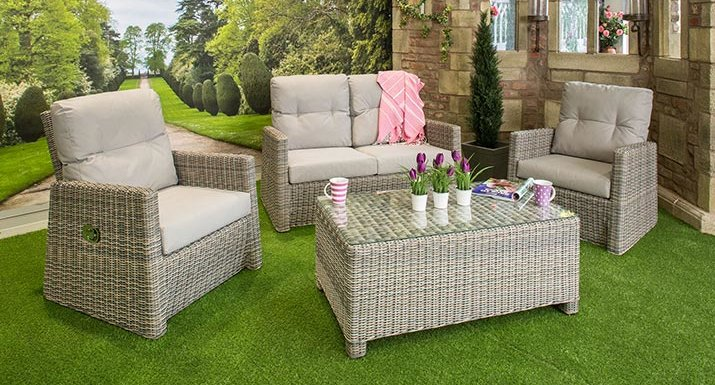 4 Seasons Catania lounge set - Cushions On Quality Rattan Garden Furniture Can Be Left Out In