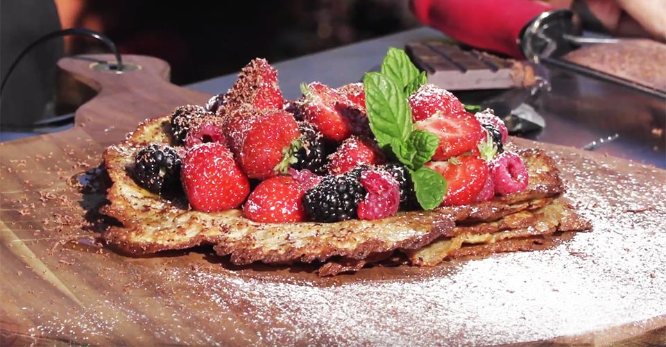 Crepes with summer fruit