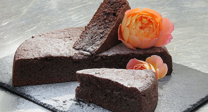 flourless chocolate cake (torte caprese) baked on Traeger Timberline 850