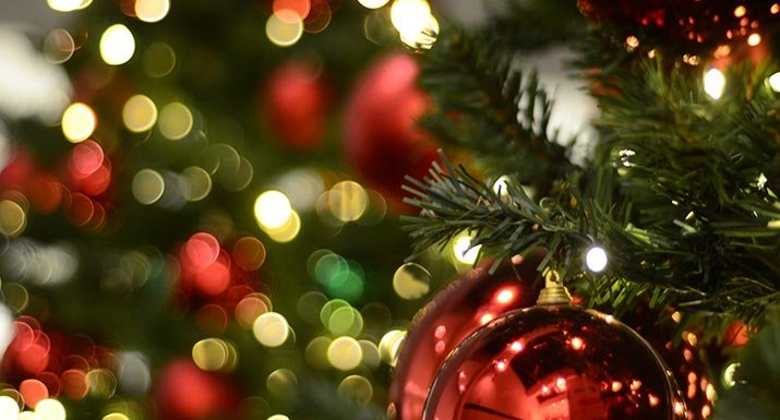 Make Your Christmas Tree Lights Dance To Your Choice Of
