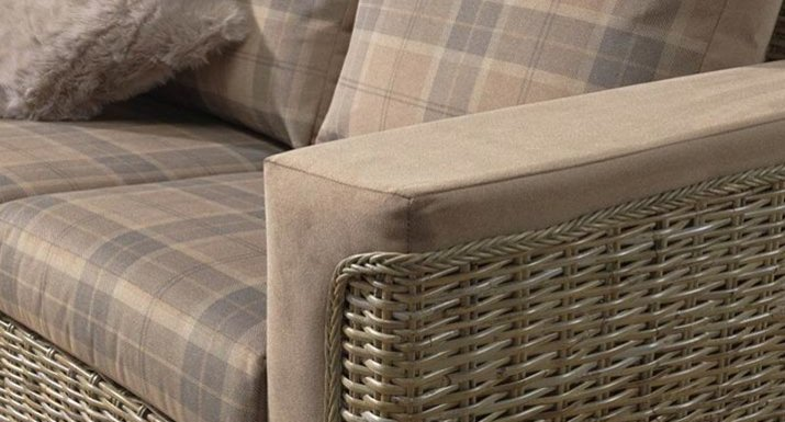 Desser Bath Sofa Detail