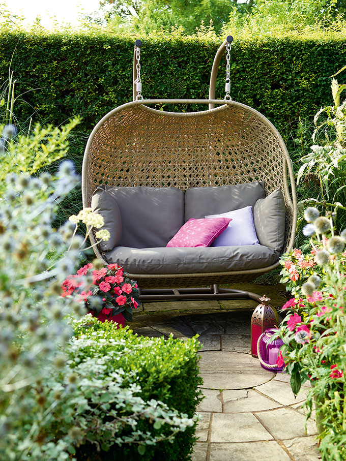 Bramblecrest Frampton Double Cocoon with Cushions