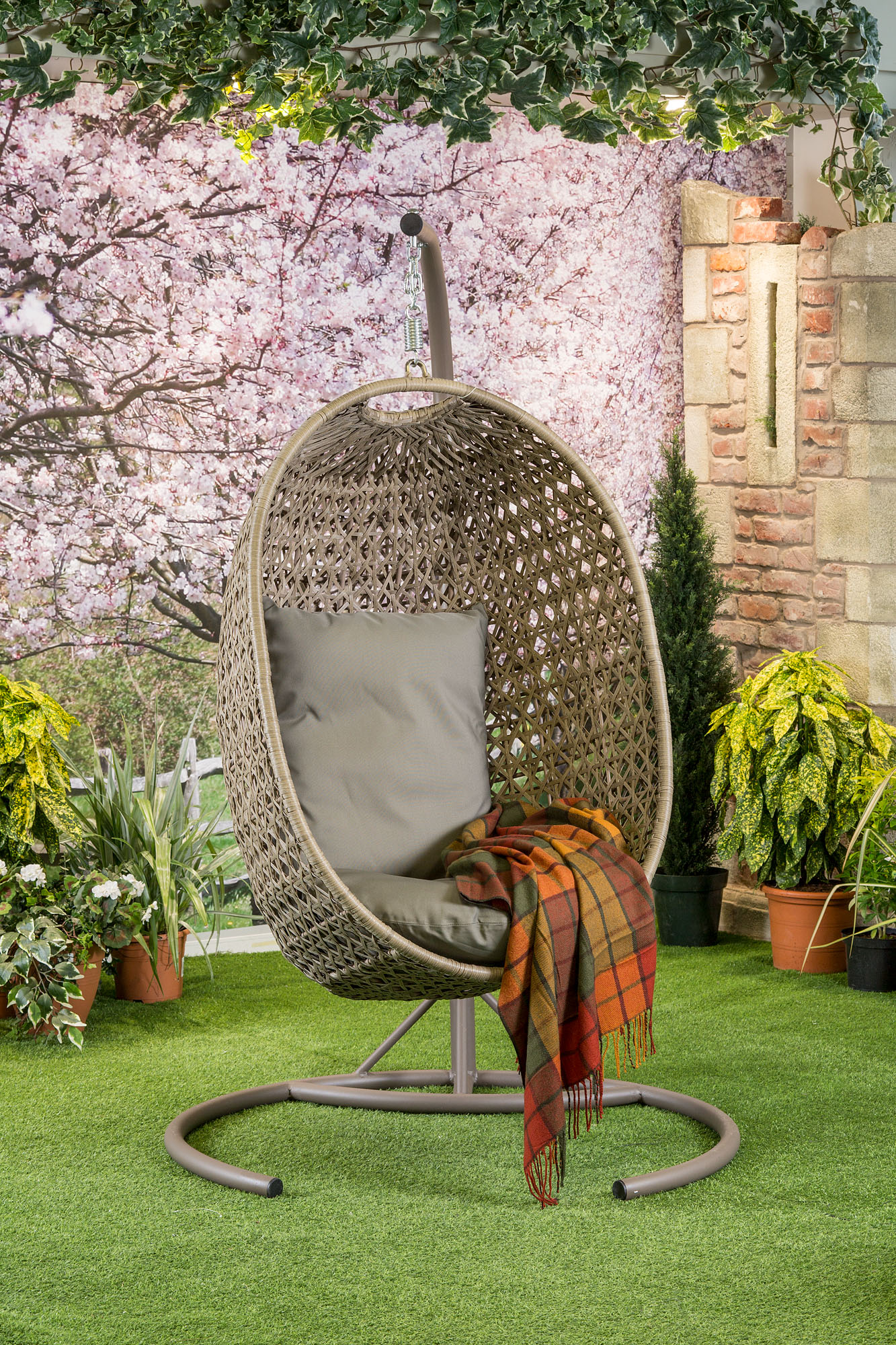 Bramblecrest Frampton Single Cocoon with Cushion