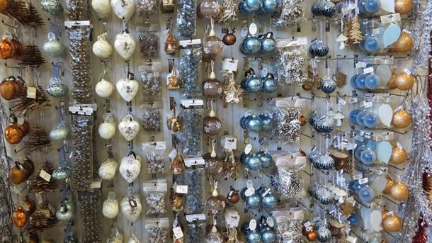 Christmas baubles in copper, brown, blue, natural & white