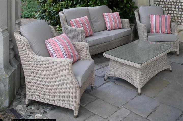 4 Seasons Outdoor Brighton Lounge Set in Praia - Woven ...