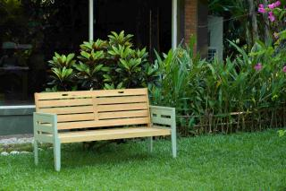 This vintage look painted hardwood bench would make a great addition to the garden.