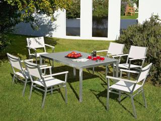 The Barlow Tyrie Equinox 6 Seater 150cm Dining Set will cater for your needs time and time again.