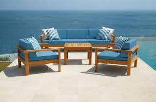 The Barlow Tyrie Linear Deep Seating Suite is perfect for gardens and conservatories.