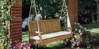 Wow, this beautiful Swing Seat is the absolute bees knees.