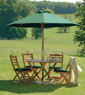 This 4 seat set is easy to store with its folding garden table & chairs.