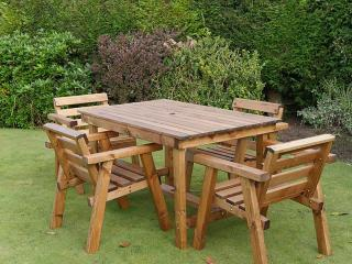 The Keswick Four Seater Dining Set will give you years of al fresco dining.