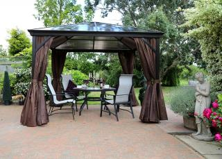 This 3m square gazebo has an aluminium frame with a polycarbonate roof & curtains & nets in a choice of two colours.