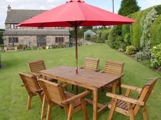 The Redwood Coniston Six Seater Patio Set not only looks great but comes with an amazing price tag.