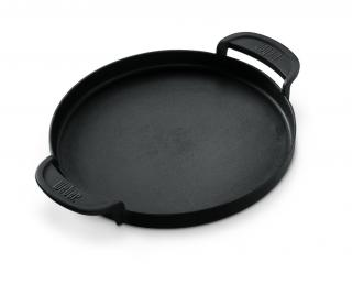 A cast iron griddle which can be used with the hinged cooking grate for 57cm charcoal barbecues.