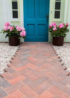 Why not create an elegant path or driveway with the attractive Malvern red bricks.