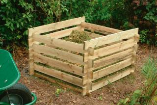 This Forest Composter is simple to slot together and easy to build.
