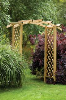 The elegant Daria Trellis Arch has a curved and notched roof with rebated trellis side panels.