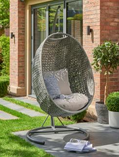 This Goldcoast Single Cocoon in grey weave is a perfect addition to the garden allowing you to sink into the cushions in comfort.