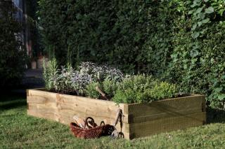This range of chunky Caledonian Raised Beds are perfect for the conscious gardener.