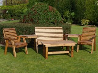 Wow, the fabulous Redwood Rydal Multi Set is perfect garden furniture with an amazing price tag.