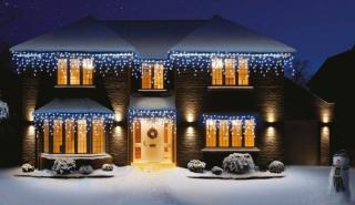 480 Indoor or Outdoor White Snowing Icicle LED Timer Light Set
