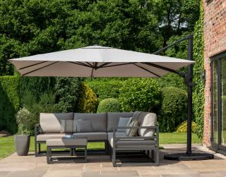 This parasol special offer includes a small square cantilever parasol in Grey or Taupe, 80kg base & free cover.