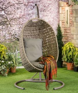 This comfy Goldcoast Single Cocoon is a perfect addition to the garden allowing you to relax in comfort. Comes with cushions