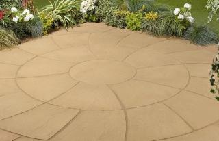 Kelkay Abbey Twist Circle 2.4m Patio Kit in York Gold