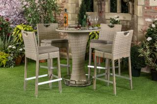 The incredibly versatile Albi Bar Suite looks great around a pool, terrace or even public gardens. Available in Taupe.