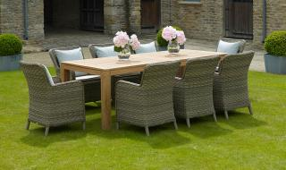 The Batu Dining Set is perfect for the ultimate relaxing dining experience.