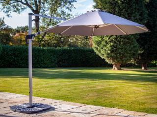 This versatile square parasol can be raised, lowered or tilted to adjust the angle and comes in a choice of colours.