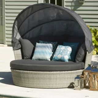 Bramblecrest Chatsworth Daybed with Canopy