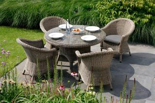4 Seasons Outdoor Chester 4 Seat Dining Set in Pure
