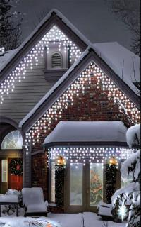 This set of 300 Cool White Icicle's are connectable & will make an impressive display.