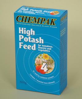 Chempak High Potash Feed - Formula 4 (800g). High Potash summer fertiliser for tomatoes, flowers and vegetables. The soluble plant food for better blooms and bigger crops.