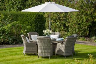 This stunning Frampton 140cm Set would accommodate six people.