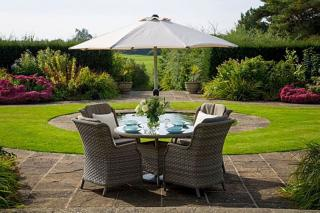 This stunning Frampton 120cm Round Four Seater Set is ideal for any garden or patio and can be left outside all year round.