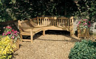 Barlow Tyrie Glenham Corner Seat is suitable for use in either public areas or private gardens.