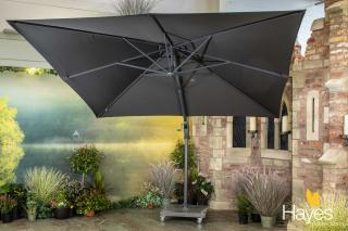 This parasol special offer includes a cantilever parasol with 84kg wheeled base & protective cover.