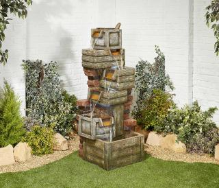 The traditional Waterfall Crates will enhance any garden or patio.