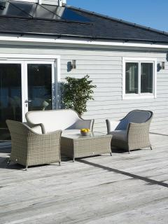 The stylish Monte Carlo Two Seater Sofa Set is perfect for relaxing within the garden or conservatory. Providing pure luxury this stunning set will provide years of relaxation.