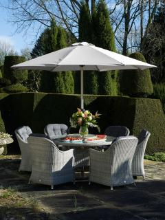 The stylish Monterey 140cm Round Dining Suite for Six is a fabulous set for entertaining within the garden.